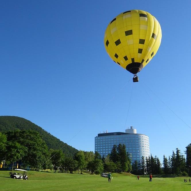 ニセコビレッジの熱気球