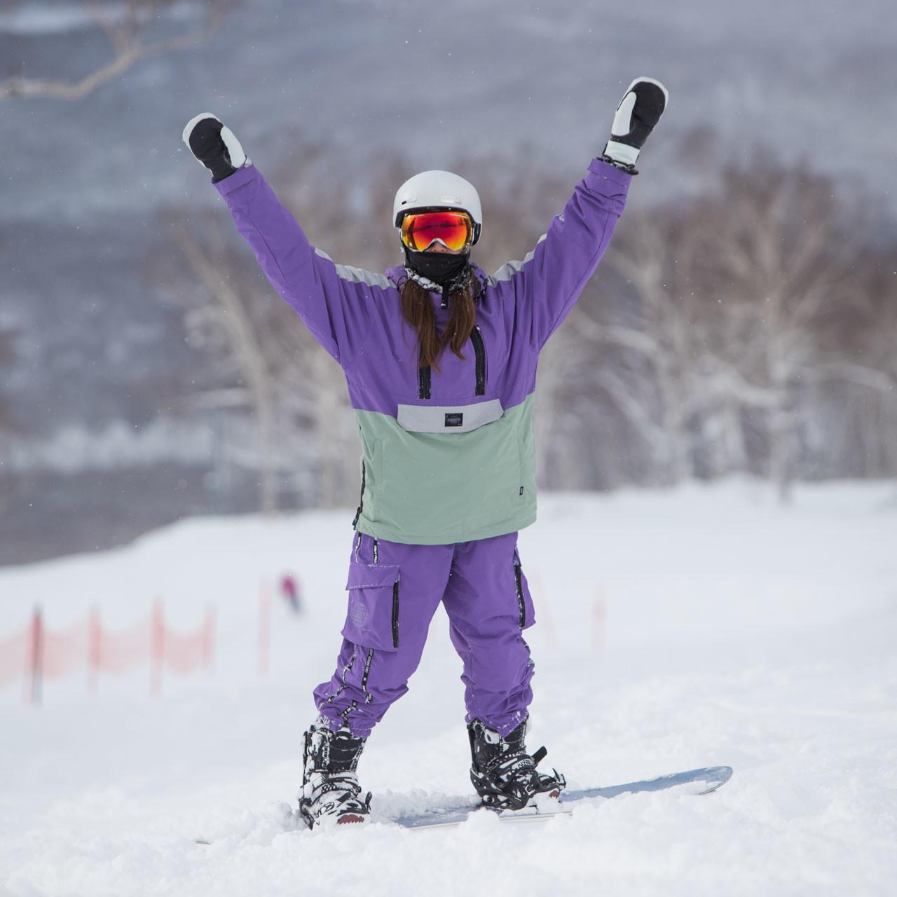 Snowboarder in Annupuri